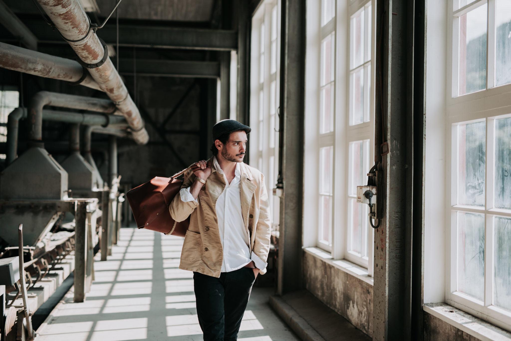 Svenja und Ben Fotografie Mallorca Hochzeitsfotos Göttingen - Fashionfoto Produktfoto Designertasche Fashionfotograf
